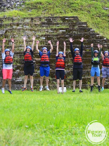 Viajeros de aventura en el río Filobobos Veracruz