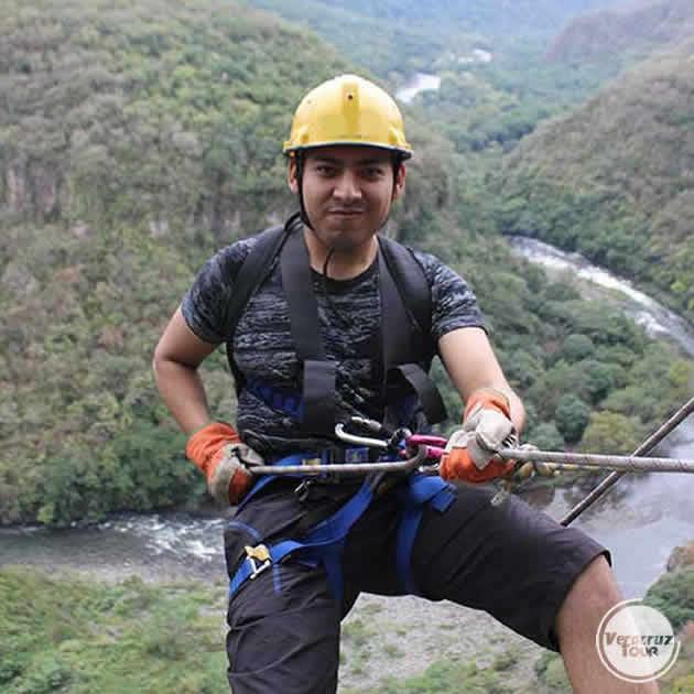 Rappel en el río Pescados Jalcomulco, Veracruz
