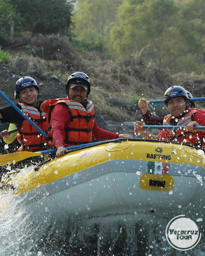 Aventura en los rápidos del río Pescados Jalcomulco, Veracruz