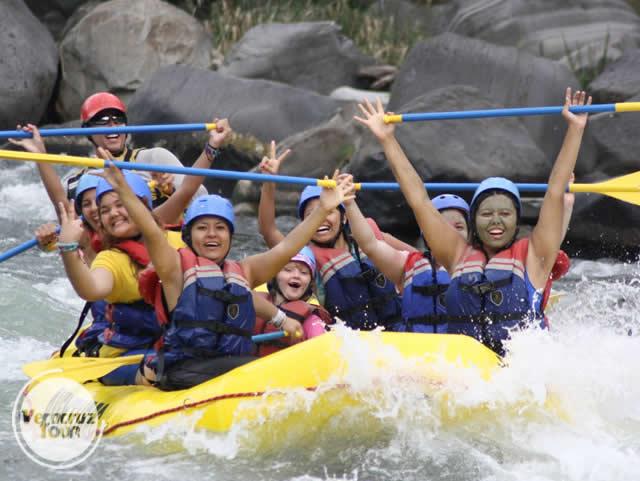 Rápidos En El Río Filobobos Veracruz