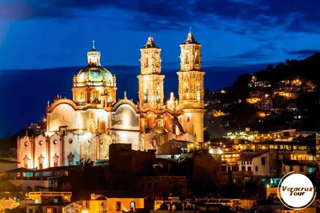 Excursión a Taxco y Grutas De Cacahuamilpa